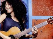 Flavia Coelho, lionne brésilienne rater scène