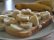 Tartines bananes, lait concentré sucré, sirop d'érable