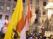 Autriche premier défilé islamophobe Pegida, supplanté contre-manifestation