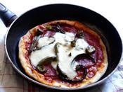 Pizza poêle poivrons salami