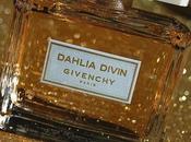 Dahlia Divin robe dorée Givenchy