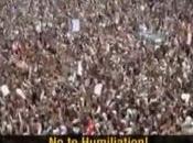 peuple yéménite dans rues pour soutenir mouvement révolutionnaire face l'invasion saoudienne
