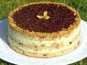 Gâteau crème fraîche, mousse chocolat blanc pistache sirop