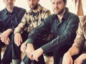 Great Lake Swimmers Don't Leave Hanging