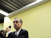 Politique Ménard éjecte deux journalistes venus médiation