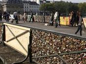 Cadenas d'amour ferment PONT ARTS Paris