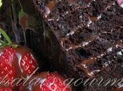 Gâteau anges chocolat sauce chocolatée
