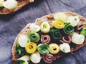 Tartines courgette concombre acidulés, anchois Maisor aubergine écrasée