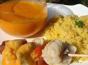 Brochette cabillaud chorizo avec semoule légumes velouté poivrons/tomates/feta