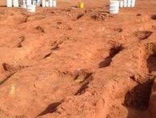 tombes médiévales découvertes Angleterre déconcertent archéologues