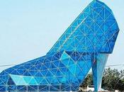 église forme chaussure talon