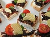 Toasts fromage frais, olives, tomate chips croustillante [#apero #chips #brets]