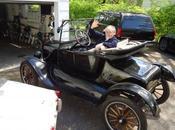 """L`Amerique jour ;Ernest Hemingway .....""""Le vieil homme l`auto...!"""""""