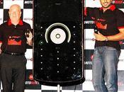 [PHOTOS] Abhishek Bachchan lance nouveau motorola