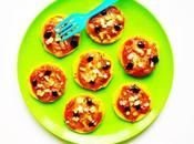 Zucchini power. PIZZETAS COURGETTES RÔTIES SAUCE TOMATO-CACAHUÈTE MOZZA.