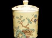 Tendre porcelaine Saint-Cloud, formes usages XVIIIe siècle.