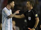 Lionel Messi prend quatre matchs suspension après avoir insulté arbitre