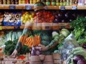 Body painting: vendeur invisible piège clients d'une supérette