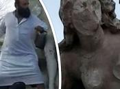 Algériens salué destructeur statue d'Asdhif