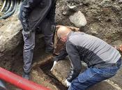 cercueil plus 1000 découvert sous l'autel d'une petite église Danemark