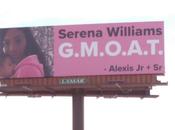 panneaux publicitaires pour vanter maman qu'est Serena Williams