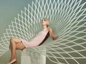 Superbe Peacock-L chaise studio Uufie