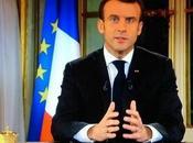 """Emmanuel Macron contre """"les porte-voix d'une foule haineuse"""""""