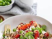 Salade quinoa, fraises petits pois